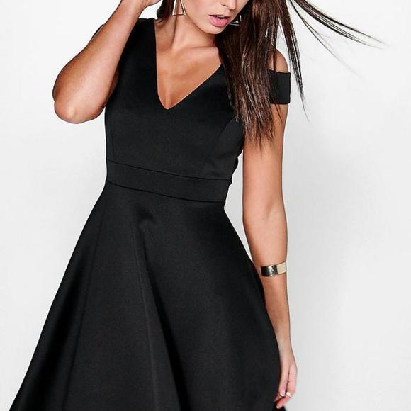 86ba6ed5d0 Boohoo Dresses   Skirts - Bardot Black Plunge High Low Skater Dress